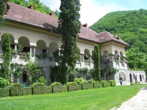 Rumänisches Kloster im Olt-Tal