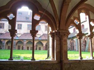 Kreuzgang Kloster Bronnbach im Tauberttal, Innenhof