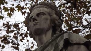 Friedrich Schiller-Statue vor der Oper - visionär - der poeta laureatus von Vandalen beschädigt