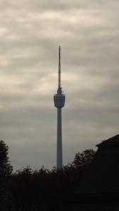 Fernsehturm im Novembernebel