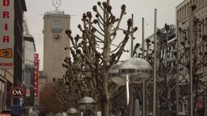 Blick über Platenen in der Königsstraße auf den guten Stern über Stuttgart