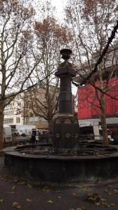 Röhrenbrunnen am Markt