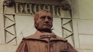 Ein Freund der Wahrheit -GWF Hegel-Büste, am Stuttgarter Rathaus